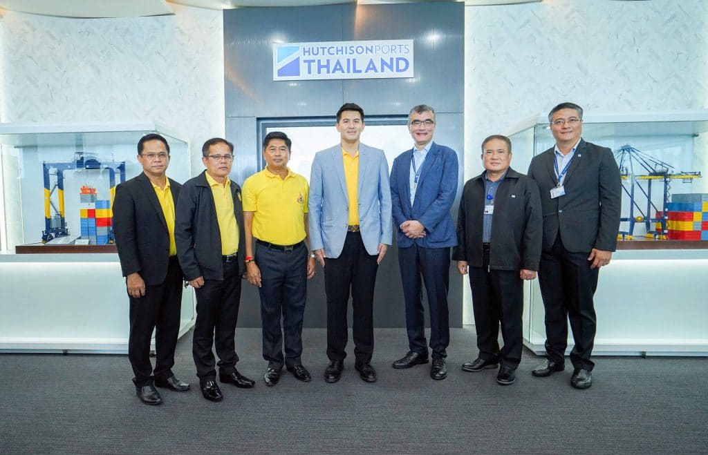 ฮัทชิสัน เปิดท่าเทียบเรือชุด D ต้อนรับ รมช. คมนาคม ชมเทคโนโลยีควบคุมปั้นจั่นระยะไกลแห่งแรกในไทย ณ ท่าเรือแหลมฉบัง