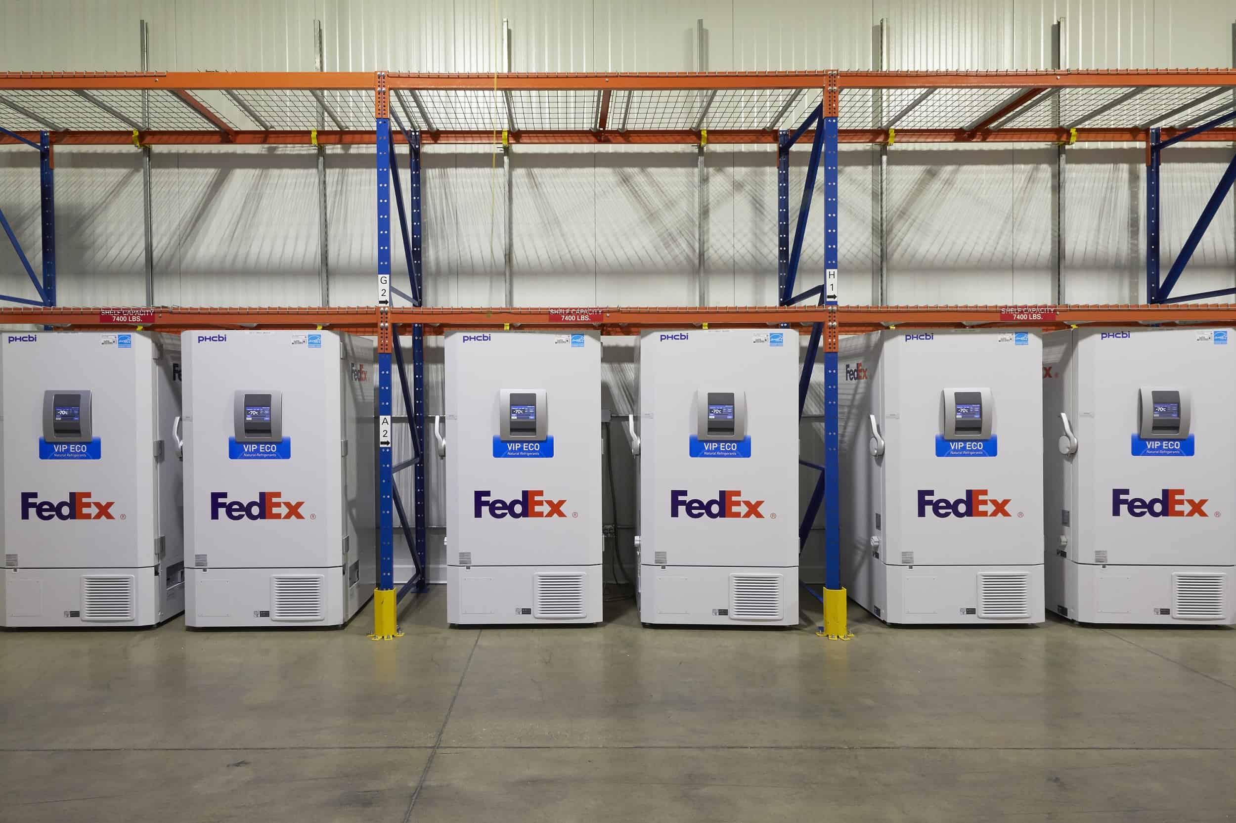 เฟดเอ็กซ์ (FedEx Express) เตรียมจัดส่งวัคซัน COVID-19 ชุดแรกจาก Pfizer ไปยังทั่วสหรัฐอเมริกา