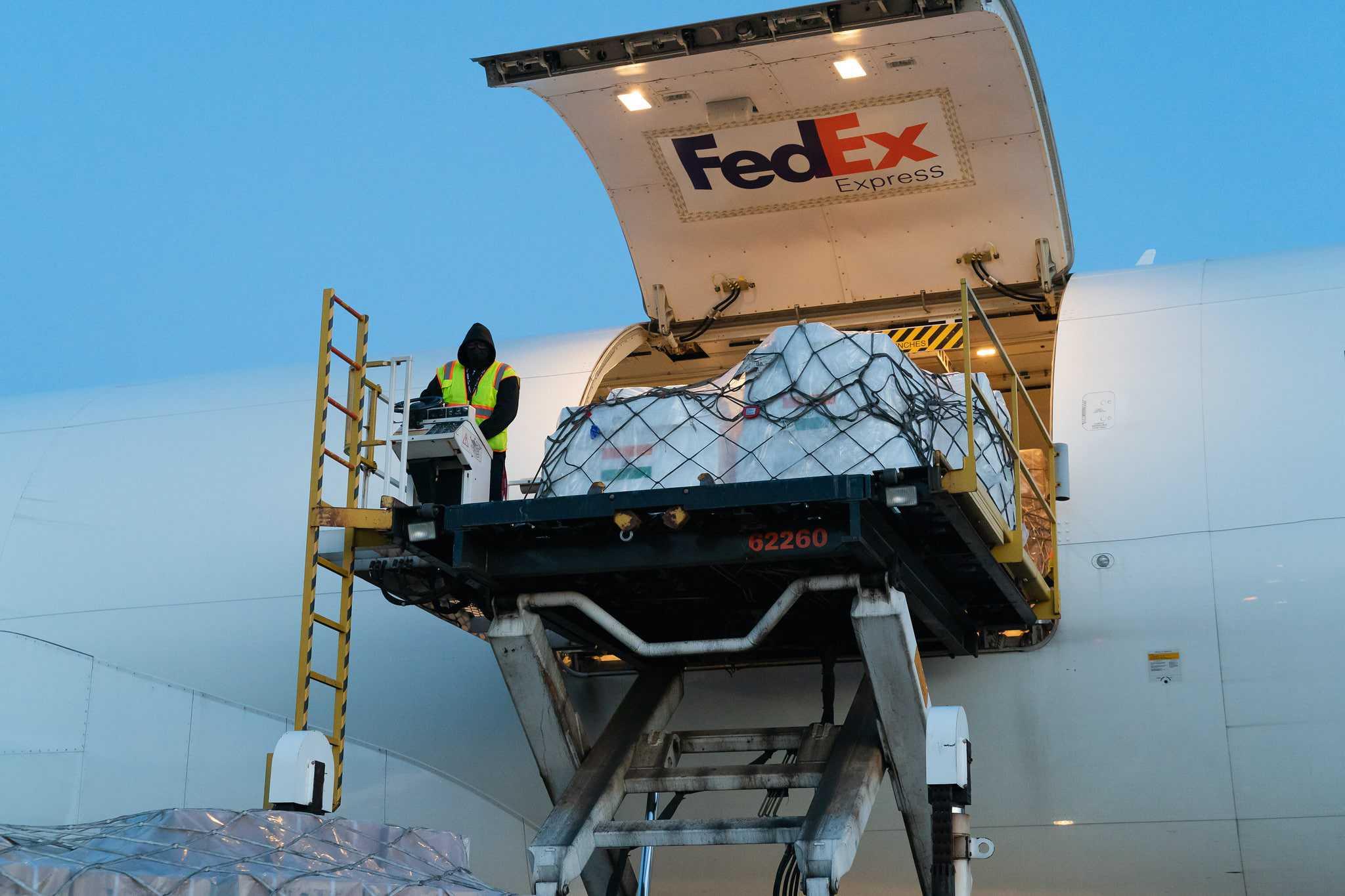 เฟดเอกซ์ขยายการสนับสนุนและจัดเที่ยวบินพิเศษครั้งที่สองเพื่อส่งอุปกรณ์ช่วยเหลือไปยังอินเดีย